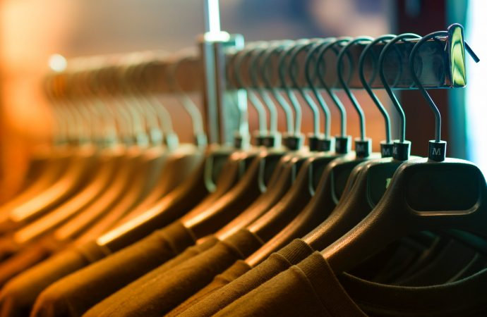 Simple Tips To Save Money While Buying Clothes