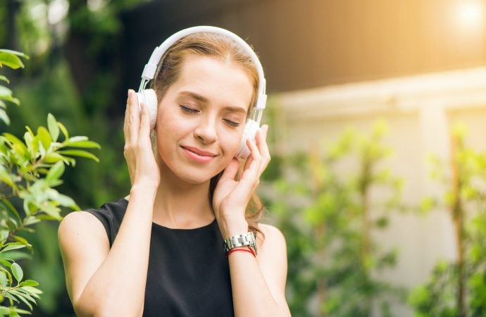 How to Relieve Stress through Music?